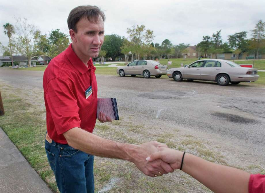 Pete Olson, Republican candidate for Congress in Texas' 22nd district, campaigns Tuesday, Election Day, outside the Pearland Church of Christ.  Tuesday, Nov. 4, 2008, in Pearland. Photo: Steve Ueckert, Chronicle / Houston Chronicle