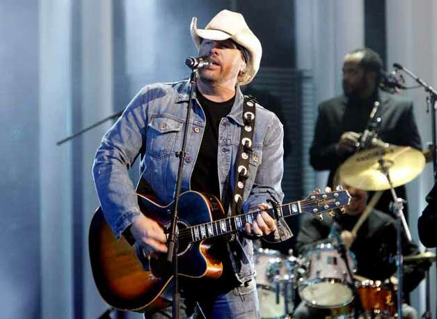 Toby Keith on stage during the Nobel Peace Prize Concert in Oslo, Norway, Friday Dec. 11, 2009. (AP Photo /Lise Aserud, Scanpix) ** NORWAY OUT ** Photo: LISE ASERUD, AP / SCANPIX
