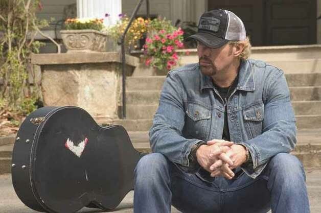 In the film 'Broken Bridges,' singer Toby Keith plays an alcoholic, washed-up country singer who reunites with his lost love and a daughter he abandoned. Photo: PARAMOUNT PICTURES