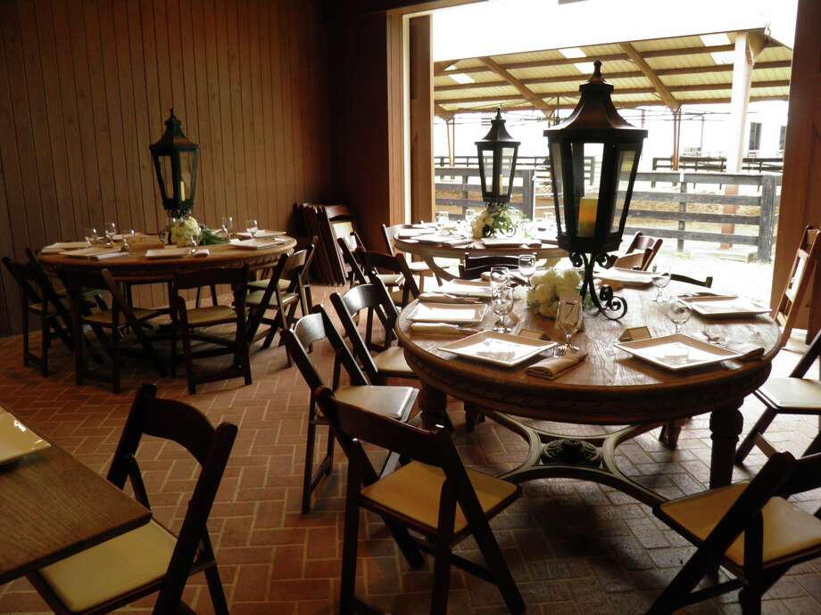 The Inn at Dos Brisas offers couples a wedding catered by the only Forbes five-star restaurant in Texas.