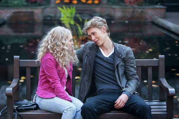 "AnnaSophia Robb, as Carrie, and Austin Butler, as Sebastian, star in ""The Carrie Diaries,"" based on the book by Candace Bushnell. The series airs Mondays at 8 p.m. on the CW Network. Photo: Contributed Photo/The CW Network, The CW / Copyright, The CW, LLC All Rights Reserved"