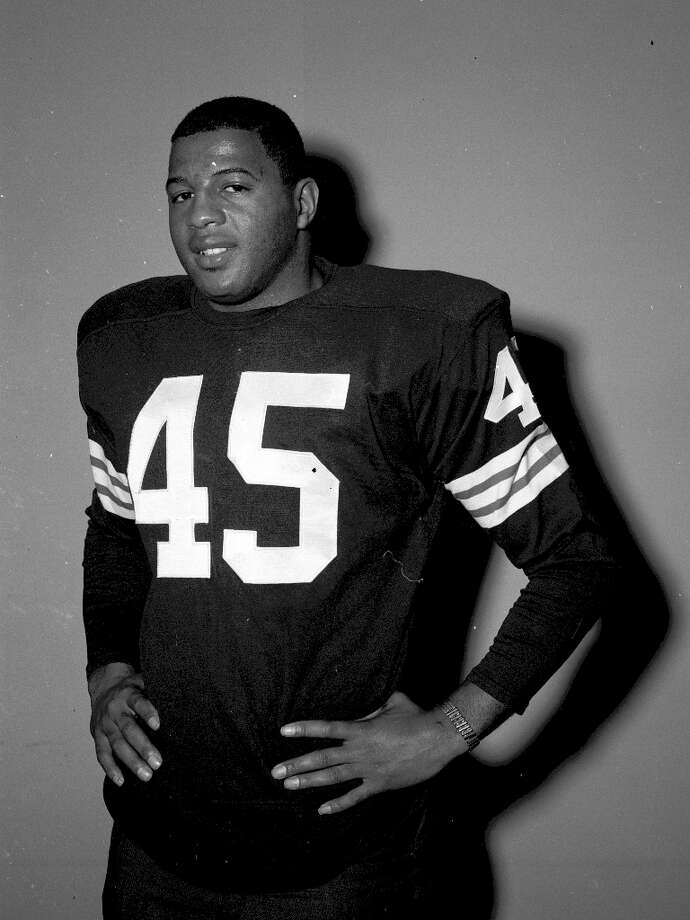 Running back Ernie Davis was the first black player to win the Heisman Trophy. Tragically, he was diagnosed with leukemia and passed away before ever playing a professional game. Photo: Henry Barr Collection, Diamond Images/Getty Images / 1962 Diamond Images