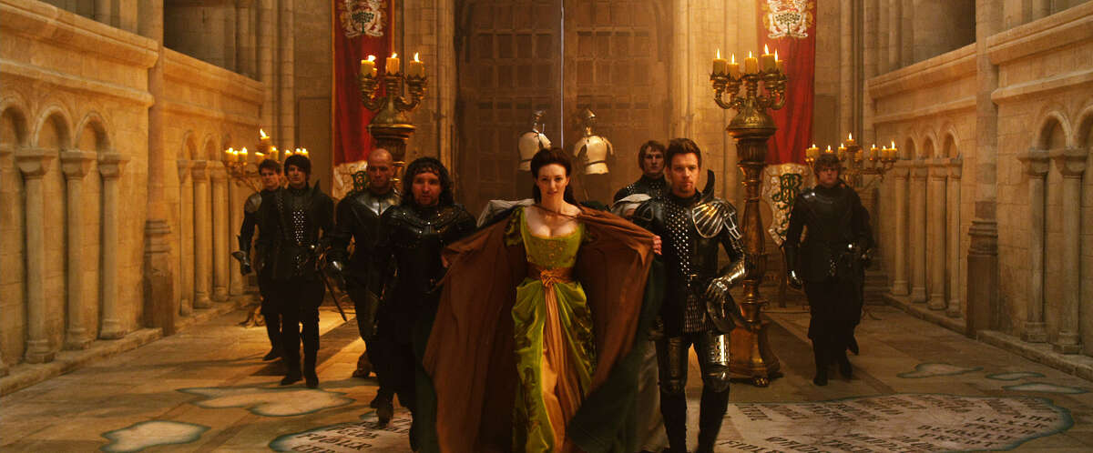 Warner Bros. Entertainment (L-r center) Mingus Johnston as Bald, EDDIE MARSAN as Crawe, ELEANOR TOMLINSON as Isabelle and Ewan McGregor as Elmont in New Line Cinema?s and Legendary Pictures? action adventure ?JACK THE GIANT SLAYER,? a Warner Bros. Pictures release.