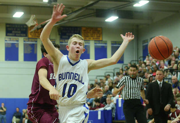 Bunnell's Matthew Nolting loses the ball out of bounds during Bunnell's 71-61 win in the SWC Boys Basketball Championship game at Bunnell High School in Stratford, Conn. Thursday, Feb. 28, 2013. Photo: Tyler Sizemore / The News-Times