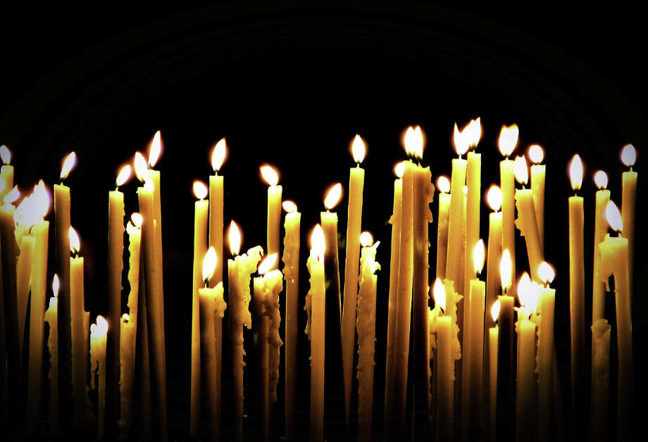 6. Light candlesThis one is more symbolic, but it is the Sabbath, after all. Photo: Eva Montecchi Photography, Getty Images/Flickr RF / Flickr RF