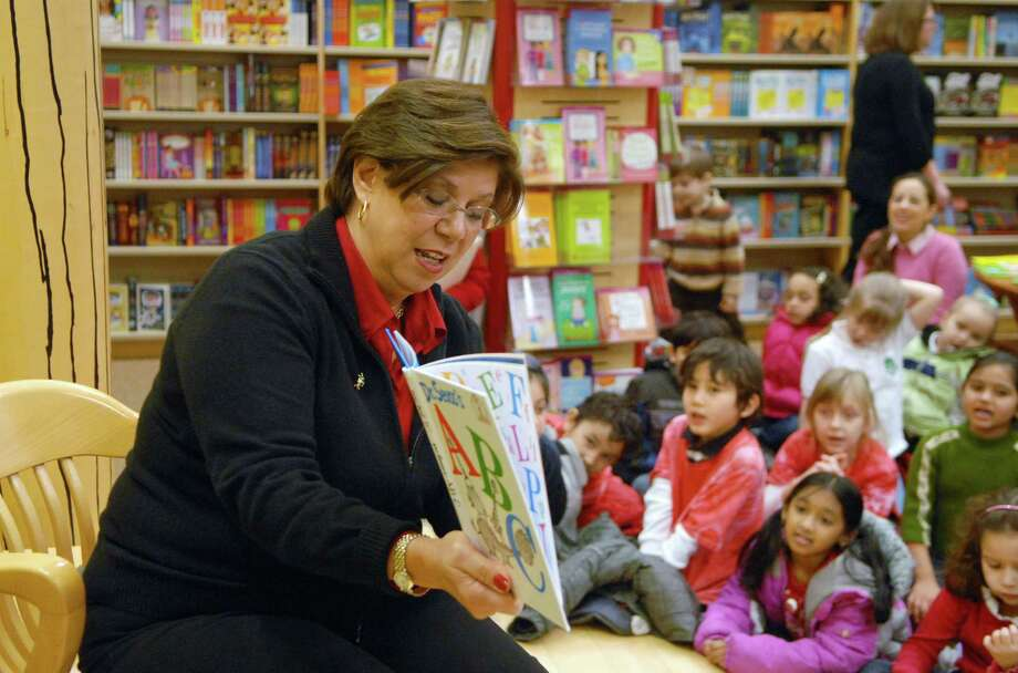 Assistant Superintendent of Schools Louise Spolowitz reads a book by Dr. Seuss to first graders from KT Murphy Elementary School at  Barnes and Noble at the Stamford Town Center in Stamford, Conn. on Friday March 1, 2013 celebrating  Dr. Seuss's Birthday. Photo: Dru Nadler / Stamford Advocate Freelance