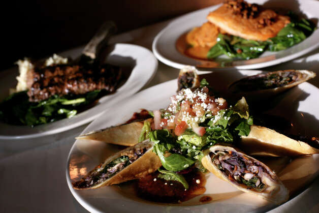Canyon Cafe, 255 E Basse Rd #600, at Quarry Market, 210-821-3738 Photo: LISA KRANTZ, SAN ANTONIO EXPRESS-NEWS / SAN ANTONIO EXPRESS-NEWS