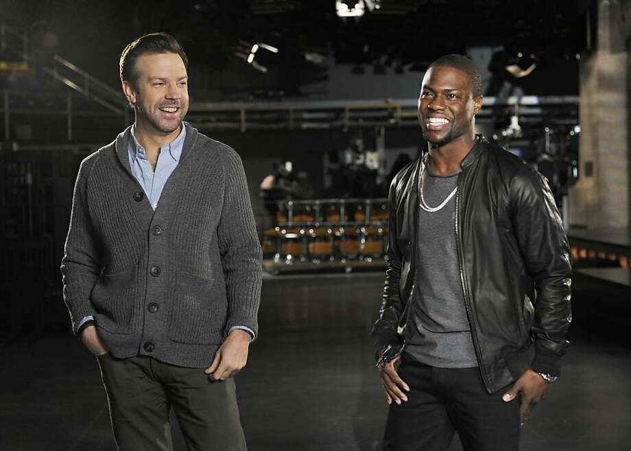 """""""Saturday Night Light"""" cast member Jason Sudeikis (left) with guest host comedian-actor Kevin Hart. Photo: Dana Edelson, Associated Press"""