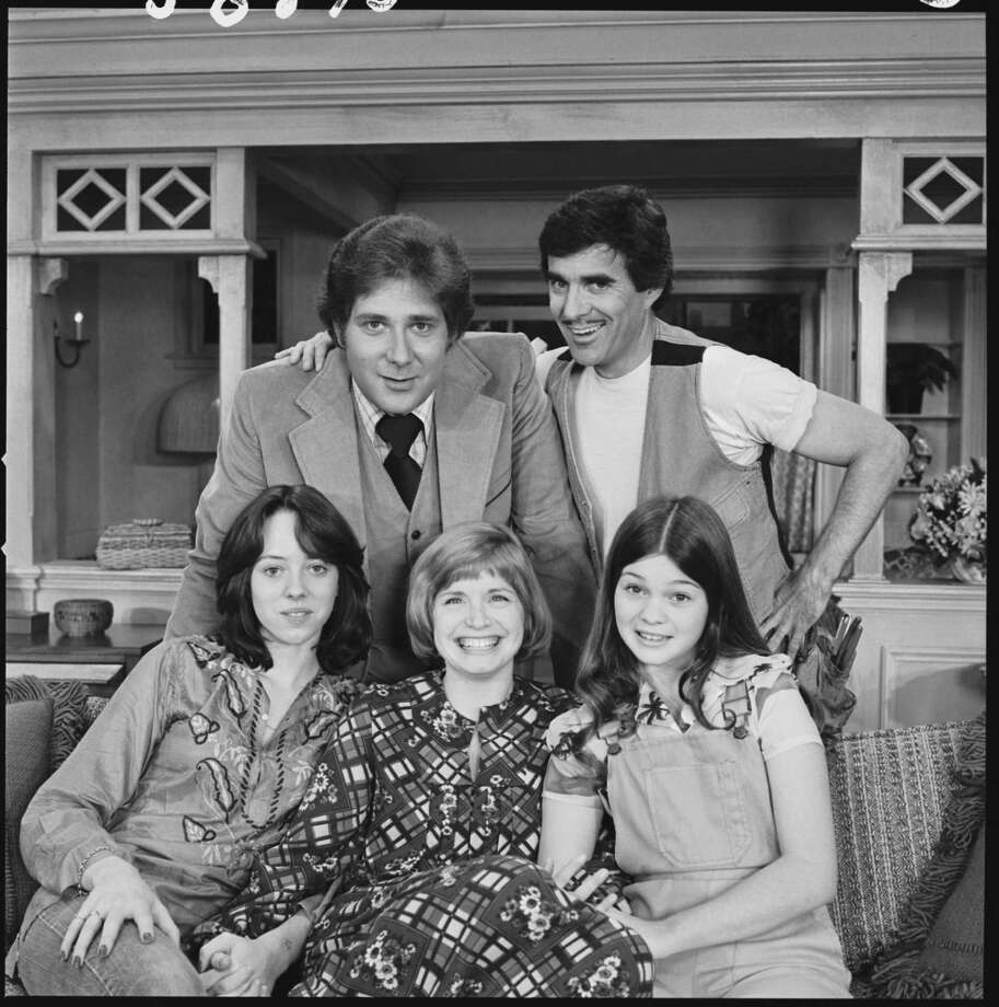 """One Day at a Time"" cast members (clockwise from upper right) Pat Harrington, Jr. as Schneider, Valerie Bertinelli as Barbara Cooper, Bonnie Franklin as Ann Romano Royer,  Mackenzie Phillips as Julie Cooper  and Richard Masur as David Kane. Photo: CBS Photo Archive, Getty / 1975 CBS Photo Archive"