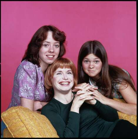 """One Day at a Time"" cast members,from left to right:  Mackenzie Phillips as Julie Cooper, Bonnie Franklin as Ann Romano Royer and Valerie Bertinelli as Barbara Cooper. Photo: CBS Photo Archive, Getty / 1975 CBS Photo Archive"