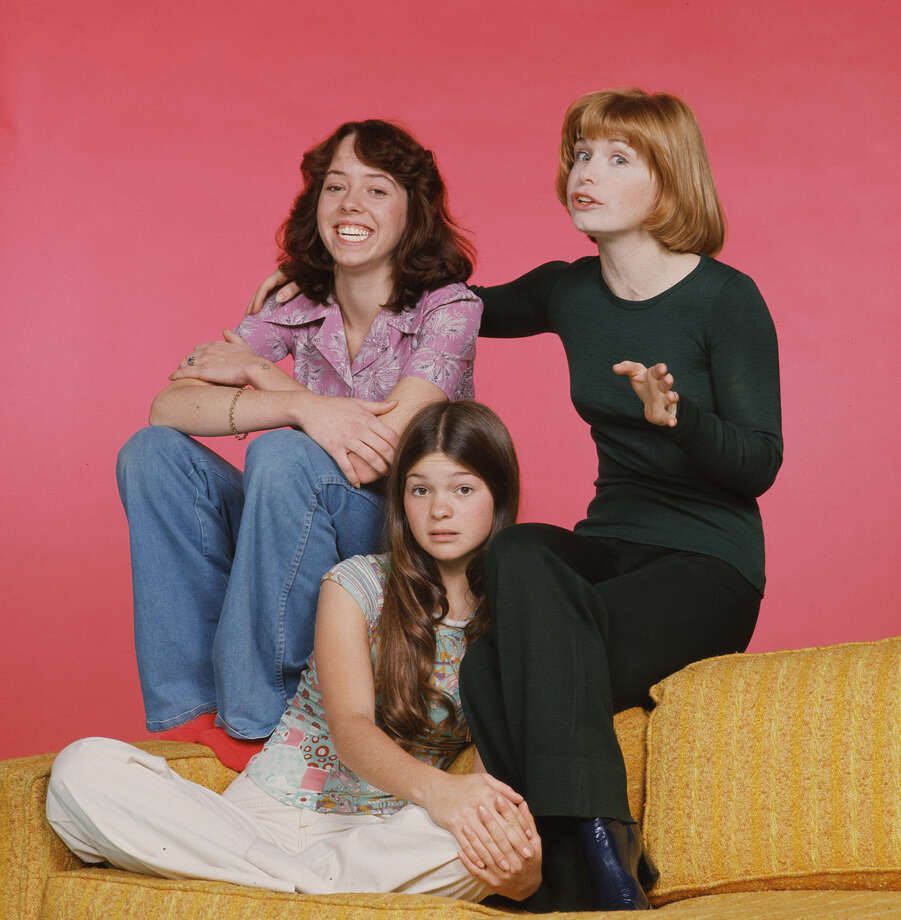 Mackenzie Phillips (as Julie Cooper); Valerie Bertinelli (as Barbara Cooper) and Bonnie Franklin (as Ann Romano). Photo: CBS Photo Archive, Getty / 1977 CBS Photo Archive