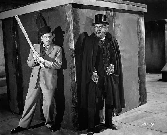 Slim, played by Bud Abbott prepares to defend himself against Boris Karloff as Mr Hyde in a scene from 'Abbott and Costello Meet Dr. Jekyll and Mr Hyde' directed by Charles Lamont. Photo: John Kobal Foundation, Getty Images / Moviepix