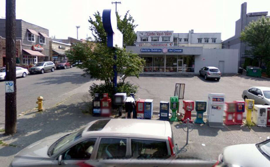 This picture of the Green Lake Baskin Robbins was taken in July 2008. Photo: Google Street View