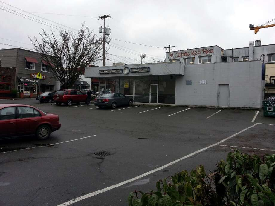 With the closure of the Green Lake Baskin Robbins, there are now six other locations in Seattle. The nearest one is at 826 N.E. Northgate Way – a store that also has been there more than three decades.
