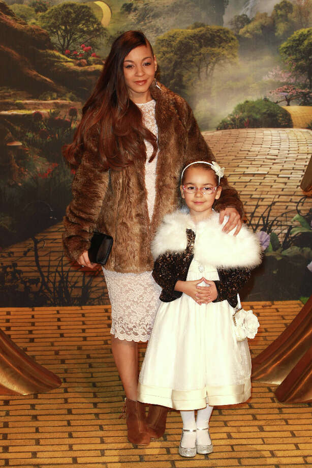 Jade Ellis and and her daughter Caiden attend the European Film Premiere of 'Oz: The Great And Powerful'  at The Empire Cinema on February 28, 2013 in London, England. Photo: Fred Duval, FilmMagic / 2013 Fred Duval