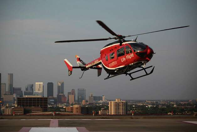 Life Flight arrives to Memorial Hermann Hospital in the Medical Center with a critical patient on Friday, Aug. 19, 2011, in Houston.    ( Mayra Beltran / Chronicle ) Photo: Mayra Beltran, Staff / © 2011 Houston Chronicle