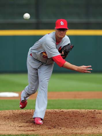 Joe Kelly throws during the first inning. Photo: Scott Cunningham / 2013 Getty Images