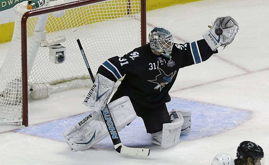 Antti Niemi is keeping the Sharks in games with a 1.95 goals-against average and .933 save percentage in 16 starts. Photo: Jeff Chiu, Associated Press