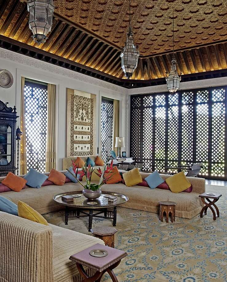 The living room at Doris Duke's Shangri La near Diamond Head in Hawaii reflects her passion for Islamic art and architecture. Photo: © Tim Street-Porter