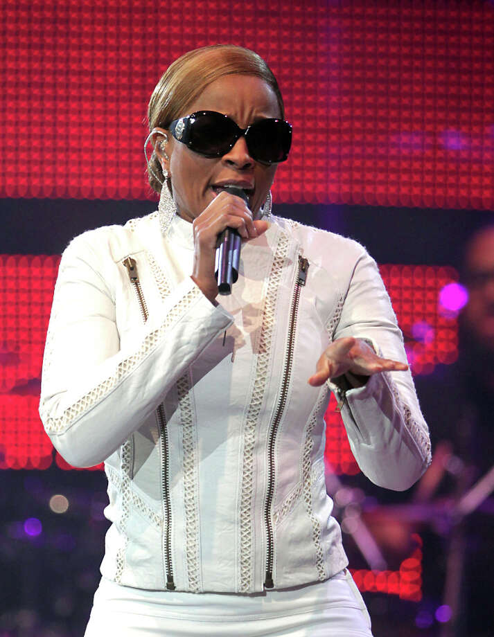 Mary J. Blige Performs in concert at RodeoHouston in Reliant Stadium Friday, March 1, 2013, in Houston. Photo: James Nielsen, Houston Chronicle / © 2013  Houston Chronicle