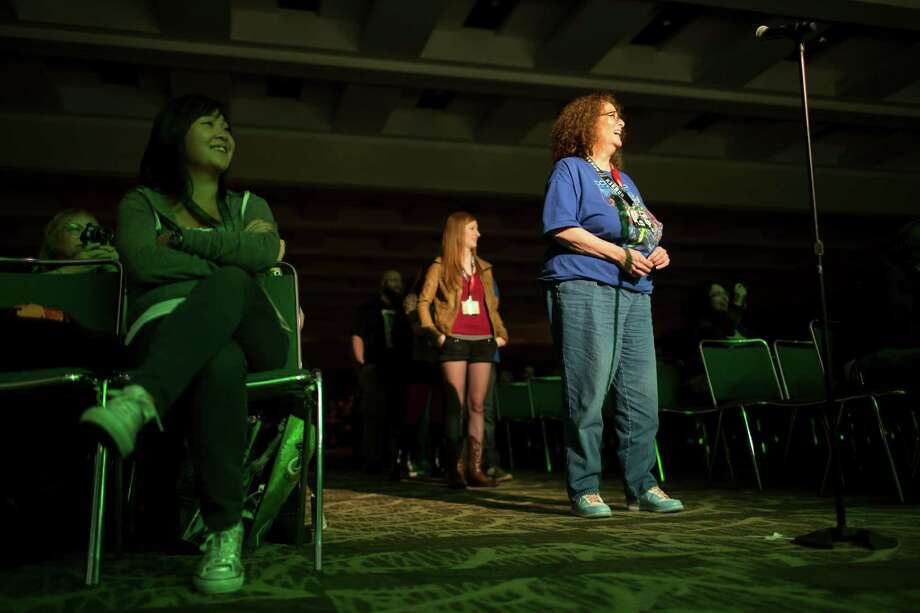 Fans line up to ask questions during a celebrity panel. Photo: JORDAN STEAD / SEATTLEPI.COM