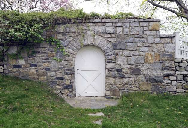 "A ""stone wall"" shows up in many listings in Fairfield County, Conn."