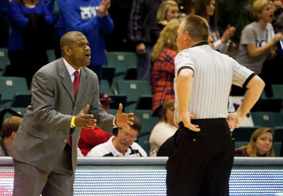 Brazosport head coach Ondra Waddy argues with an official on a call during the fourth quarter of the 4A Region III tournament against Georgetown at the Merrell Center on Friday, March 1, 2013, in Katy. Photo: J. Patric Schneider, For The Chronicle / © 2013 Houston Chronicle