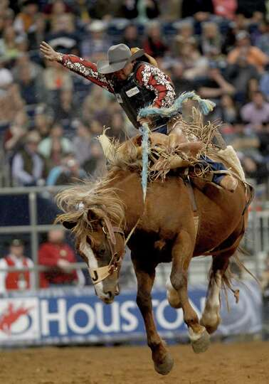 Joaquin Real was bucked off in 7 seconds in the Saddle Bronc Riding in the Super Series II rodeo com