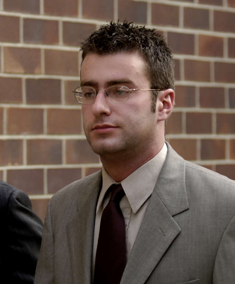 TIMES UNION STAFF Photo by Skip Dickstein - Christopher Porco leaves the offices of defense lawyer Terry Kindlon for a 3PM court appearance at the Albany County Courthouse in Albany, New York November 4, 2005 Photo: SKIP DICKSTEIN / ALBANY TIMES UNION
