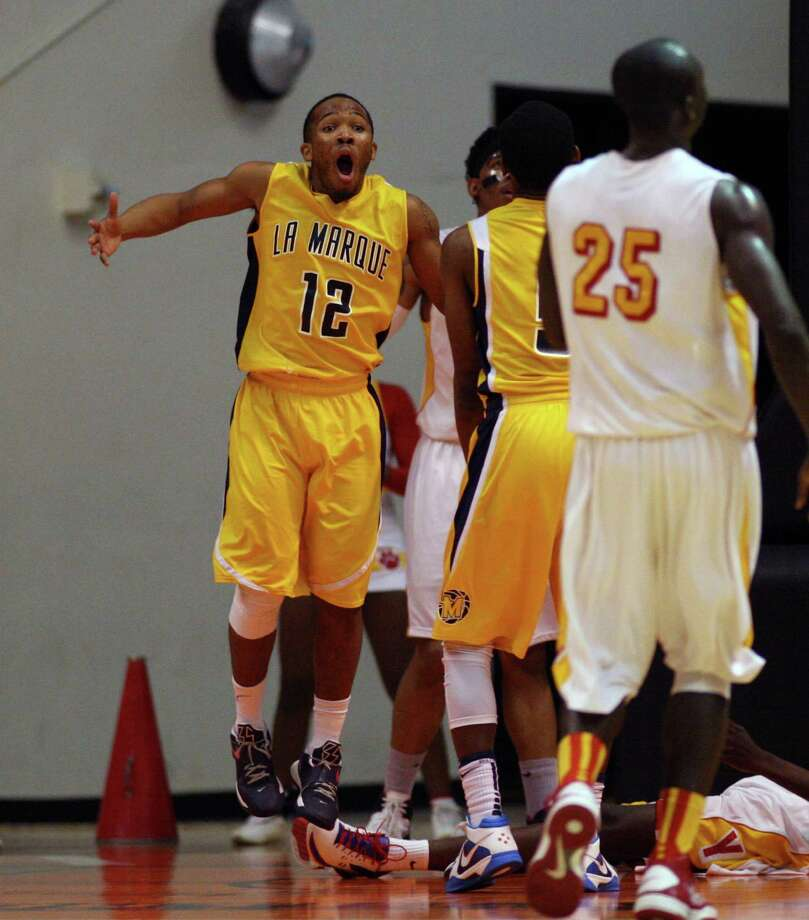La Marque's Al Curry argues a foul call. Photo: Eric Christian Smith, For The Chronicle