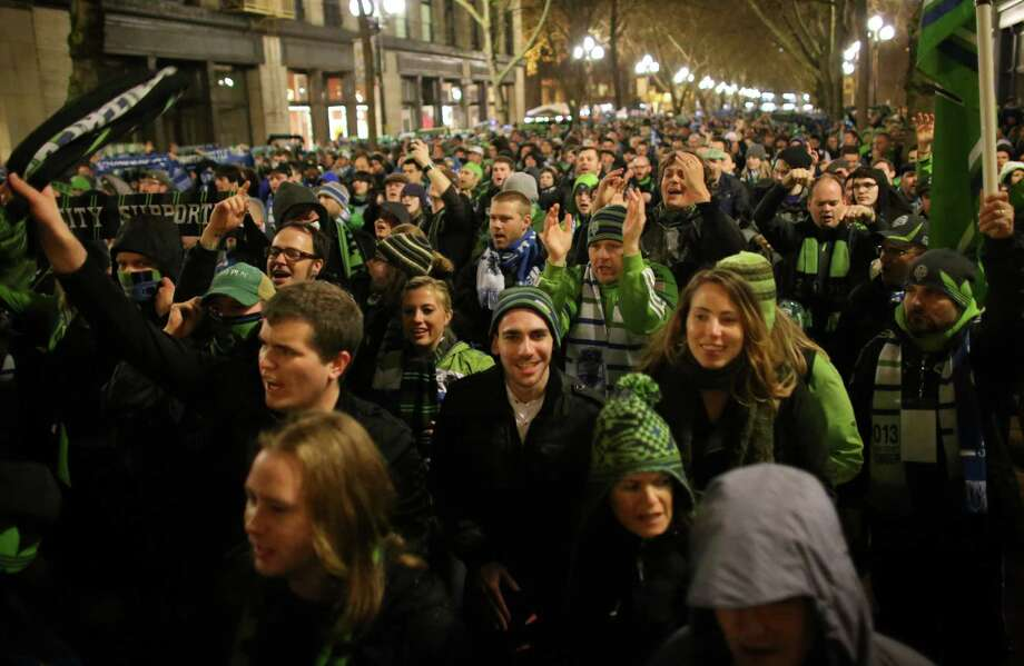 Seattle Sounders fans march to the match. Photo: JOSHUA TRUJILLO / SEATTLEPI.COM