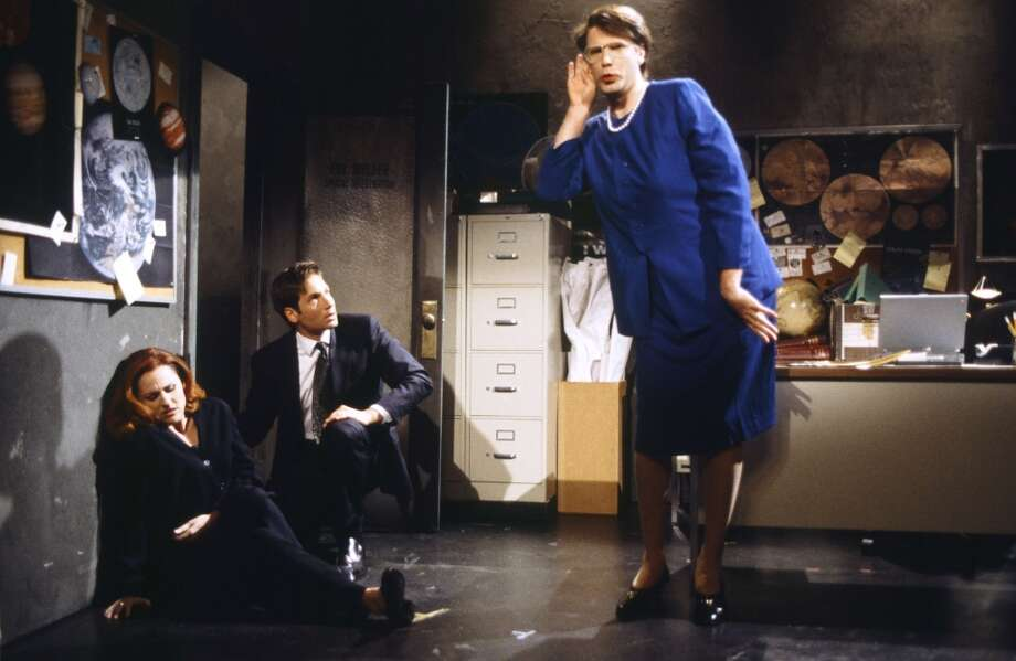 ''The X-Files'' was such a hit that it was parodied on ''Saturday Night Live'' in 1998, with Molly Shannon as Scully, David Duchovny as Mulder and Will Ferrell as former Attorney General Janet Reno.