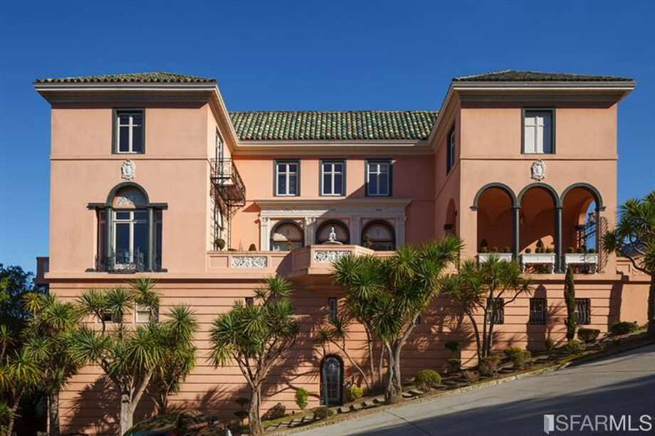 Property sits on a typical Pac Heights steep hill