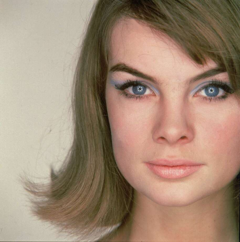 English fashion model Jean Shrimpton appeared on the covers of magazines like Harper's Bazaar, Vanity Fair, Glamour, Elle, Ladies' Home Journal, Newsweek, and Time. Photo: Hulton Archive, Getty Images / 2005 Getty Images
