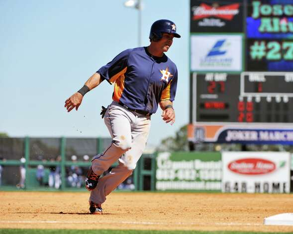 Outfielder Rick Ankiel runs to third base. Photo: Al Messerschmidt / 2013 Getty Images