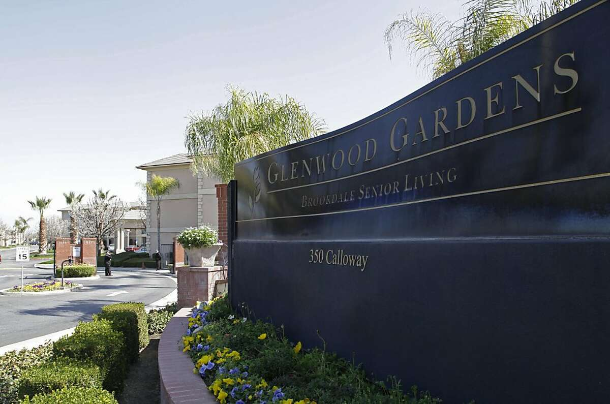 """Shown is the main gate of Glenwood Gardens in Bakersfield, Calif., Monday March 4, 2013, where an elderly woman died after a nurse refused to perform CPR on her last week. The central California retirement home is defending one of its nurses who refused pleas by a 911 operator to perform CPR on an elderly woman, who later died. """"Is there anybody that's willing to help this lady and not let her die,"""" dispatcher Tracey Halvorson says on a 911 tape released by the Bakersfield Fire Department aired by several media outlets. (AP Photo/Gosia Wozniacka)"""
