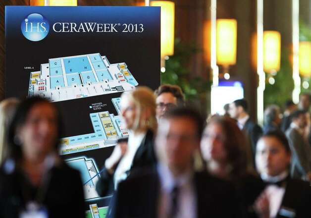 "Traffic at IHS CeraWeek 2013 picks up before the opening session ""Energy Market Outlook: What Will be the Surprises in 2013-and Beyound?"", Monday, March 4, 2013, in the Americas Hilton Houston in Houston. Photo: Nick De La Torre, Chronicle / © 2013 Houston Chronicle"