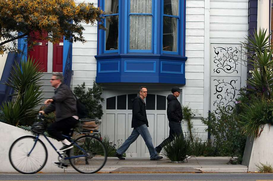 Valencia Street's varied building styles get a lift from Shift Design Studio's parklet - a flourishing landscaped driveway. Photo: Jessica Olthof, The Chronicle