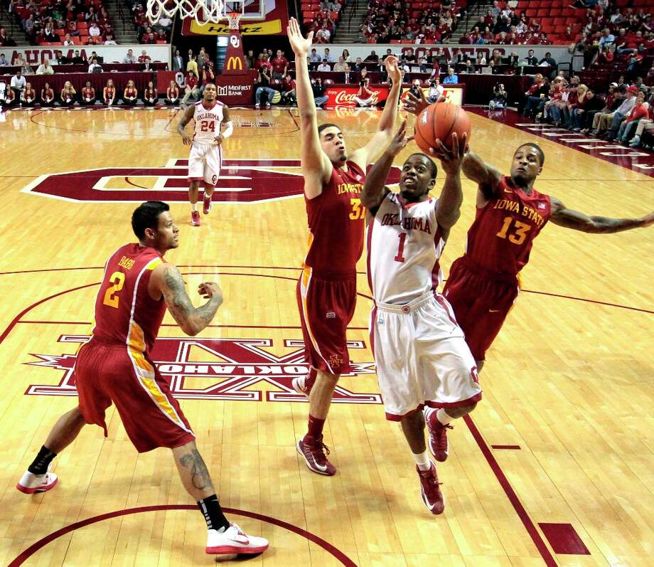 Who's hot - Oklahoma: After struggling with 16 turnovers in the overtime loss at Texas last week, the Sooners committed five against Iowa State. Photo: Steve Sisney, Associated Press / The Oklahoman