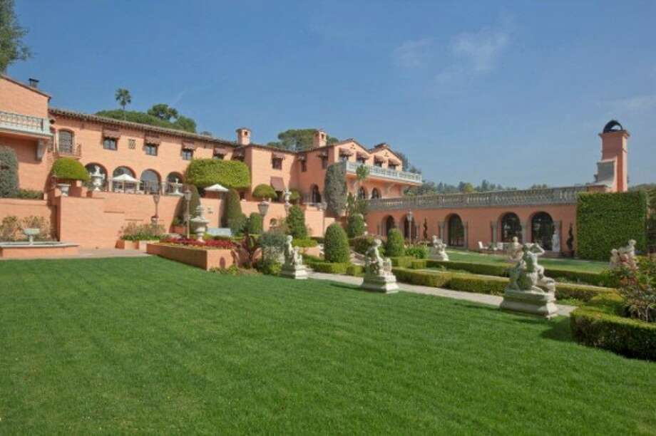 Another angle of the estate.  All photos via Trulia Luxe and MLS.