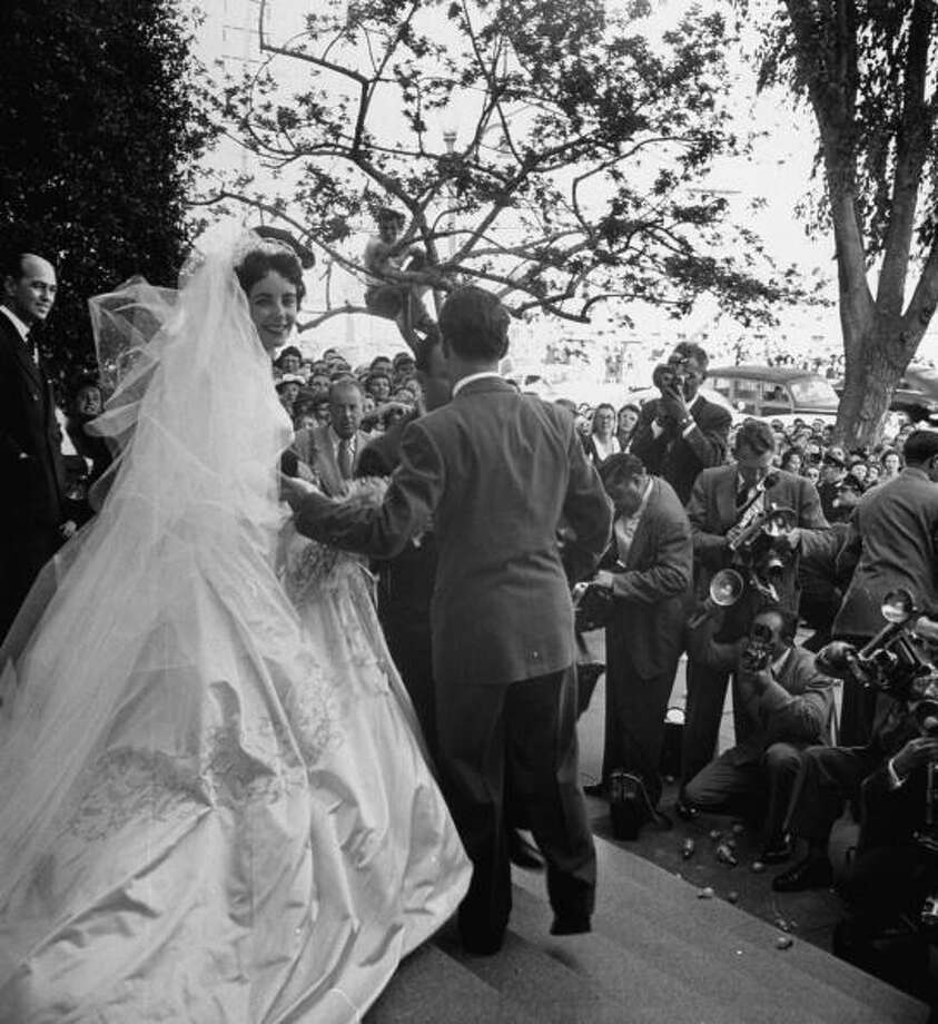 1950:Actress Elizabeth Taylor after her wedding to millionaire Nicky Hilton. Photo: Ed Clark, Getty / Time Life Pictures