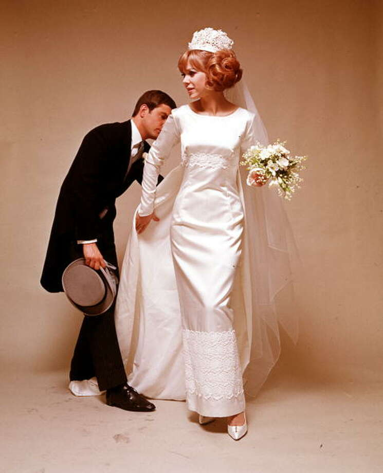 1965:A portrait of a bride  Photo: Popperfoto, Getty / Popperfoto