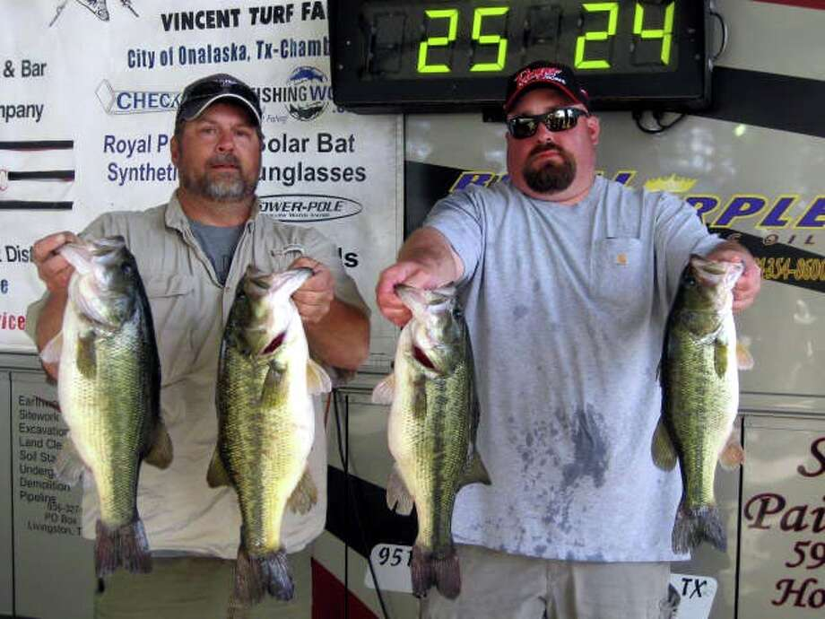 N Dee Williams & Jeff Wise topped the field with their impressive bag that weighed 25.24 lbs.  N Dee also had just switched his boat insurance over to Foremost with the Salamone Agency and collected the $200.00 incentive bonus to make their total payday equal to $3,200.