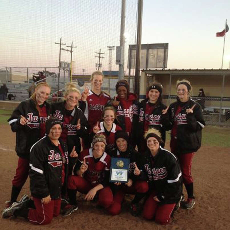The Jasper Lady Bulldogs captured first place at the West Orange-Stark softball tournament this past weekend. Photo: Courtesy Photo