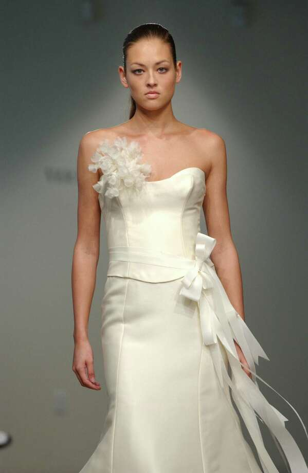 2002: Vera Wang's fall 2002 collection Photo: LOUIS LANZANO, AP/Getty / AP