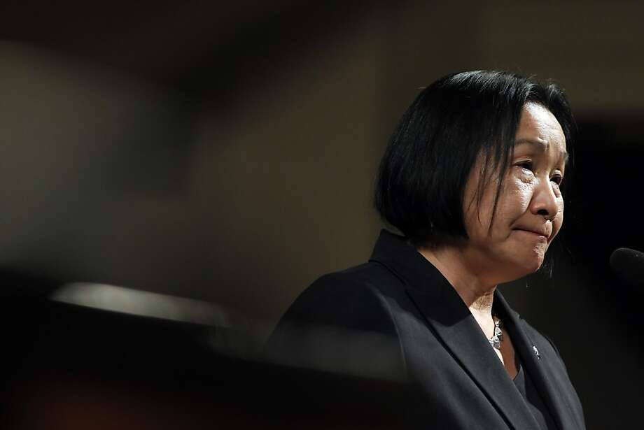 Oakland Mayor Jean Quan's back window of her car was broken Monday night while she was speaking at a community meeting in the Oaklandhills. Photo: Carlos Avila Gonzalez, The Chronicle