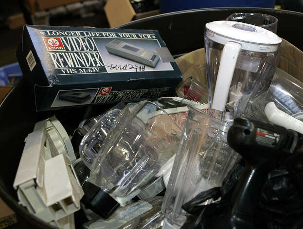 Blenders? Really? Photo: CAROLYN KASTER, AP / AP