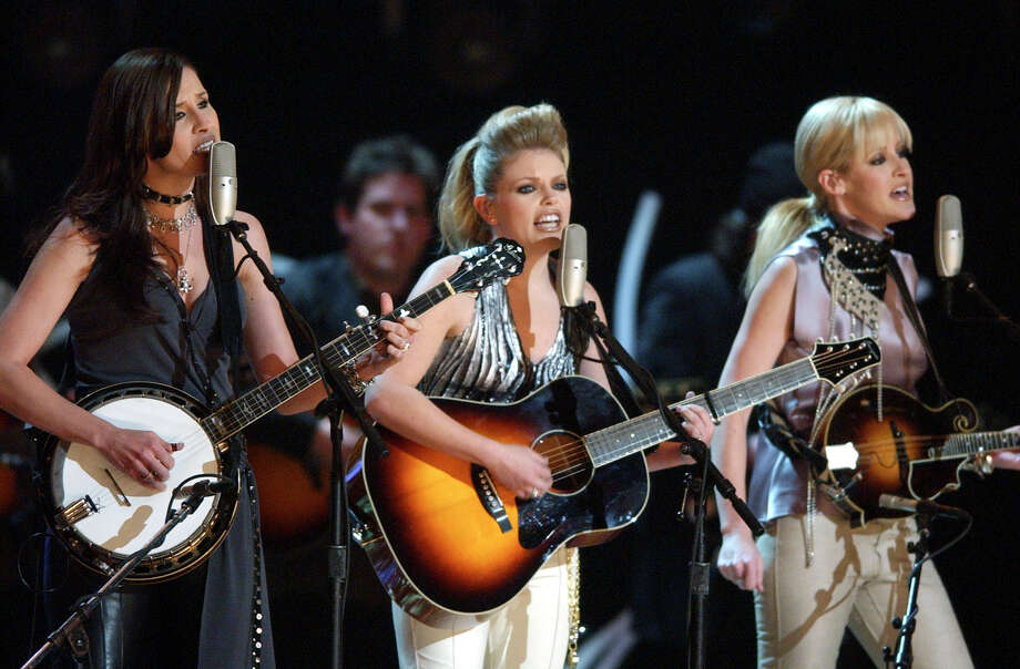 Dixie Chicks' lead singer Natalie Maines put herself squarely against the Cruz campaign in a weekend tweet. Photo: MARK LENNIHAN, AP / AP