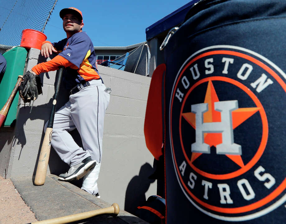 Astros infielder Jose Altuve waits for the start of batting practice. Photo: David J. Phillip