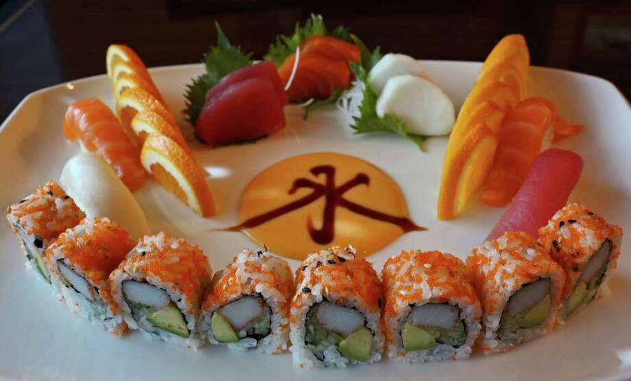 The Sushi and Sashimi lunch combo includes a California roll. Photo: Lisa Krantz, San Antonio Express-News / San Antonio Express-News